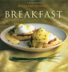 Buttermilk waffles drizzled with melted butter and maple syrup, a warm omelet filled with melted cheese and seasonal vegetables, or a helping of perfectly crisp hash browns. These classic breakfast dishes are always delicious and provide plenty of energy for the day ahead.