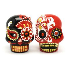 ฺBlack and Red Skull Wedding Cake Toppers Day of the Dead Mexican Sugar Skull.  Gothic Wedding Theme 00007  www.goodiemud.com