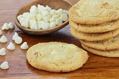 Cookies aux noix de macadamia et chocolat blanc - La Recette White Chocolate Chip Cookies, Oatmeal Raisin Cookies, Cake Au Miel, Biscuits Aux Raisins, Vanilla Biscuits, Old Fashioned Oatmeal, Homemade Oatmeal, Perfect Cookie, Biscuit Recipe