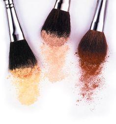our beauty bag ::: RUBOR: mejillas de princesa o mejillas de muñeca? - http://ourbeautybag.blogspot.com.ar/2012/08/rubor-mejillas-de-princesa-o-mejillas.html#