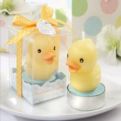 These Rubber Ducky candles are cute favors for a bath time baby shower theme. Guests will love these gender neutral baby shower favors from Kate Aspen. Ducky Baby Showers, Rubber Ducky Baby Shower, Baby Shower Duck, Cute Baby Shower Ideas, Baby Shower Themes, Baby Shower Candle Favors, Baby Shower Party Favors, Baby Shower Parties, Baby Shower Gifts