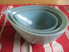 I MUST have these!!  Fire King Swedish turquoise teardrop bowls!!!  The hunt begins......
