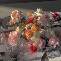 Water Me, Glass Vase, Pastel, Table Decorations, Flowers, Wedding, Instagram, Color, Home Decor