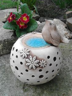 Ceramic Fish, Ceramic Pottery, Pottery Art, Ceramic Art, Ceramic Flowers, Clay Art, Handmade Bracelets, Bird Feeders, Diy And Crafts
