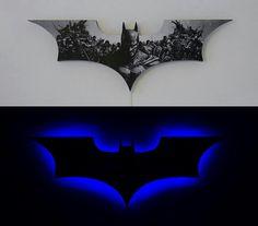 Sweet!! Batman Room Decor, Batman Wall Art, Batman Lamp, Batman Bedroom, Im Batman, Batman Baby Room, Superman, Marvel Man Cave Ideas, Batman Man Cave