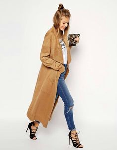 Tan long coat | www.claritybeauty.com