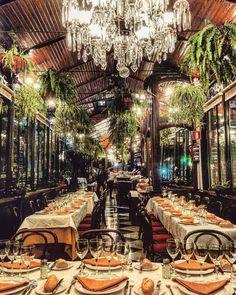 Lost in the view of this enchanting restaurant in Madrid... 📷: @guigurui - El Espejo