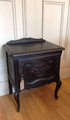 French Louis XV Bedside Table-graphite