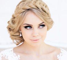 "Wedding hairstyles - ""For medium hair 10 new variants"" - New Trend Hair Styles Wedding Hairstyles For Medium Hair, Bride Hairstyles, Pretty Hairstyles, Hairstyle Ideas, Wedding Hair And Makeup, Bridal Makeup, Hair Makeup, Medium Hair Styles, Long Hair Styles"