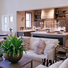 Traditional Kitchen small white kitchen Design Ideas, Pictures, Remodel and Decor