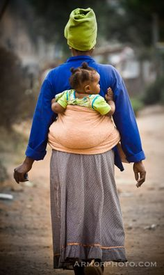 Africa. #babywearing #babywearingworldwide