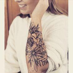 tattoo arm , tatoo flower , tattoo girl
