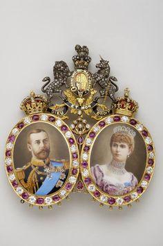 Miniature Portrait of King George V (1865-1936) and Queen Mary (1867-1953 (gold, silver, diamonds, rubies, enamels) Spada Collection, on loan, Musée de la Légion d'Honneur