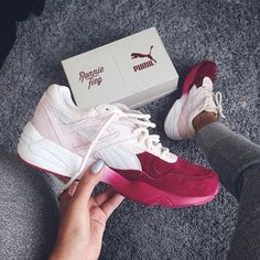Sneakers women - Puma Sakura by izzyvilla