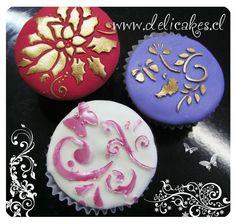 Cupcakes decorados con stencil de @labstencilchile