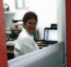 Blanca Sánchez Yáñez, o Blanquita como todo el mundo la llama de cariño, es una señora alegre, activa y llena de vida que siempre... en http://lagacetauam.blogspot.mx/2013/07/un-ejemplo-de-vida-trabajar-en-la.html