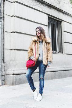2015 /Coat: Asos, /Sweatshirt: Obey /Jeans: Topshop /Sneakers: Adidas /Bag: Gucci