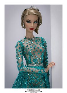 very pretty dress,love the color. Pretty Dolls, Beautiful Dolls, Fashion Royalty Dolls, Fashion Dolls, Diva Fashion, Fashion Outfits, Barbie Diorama, Doll Display, Poppy Parker