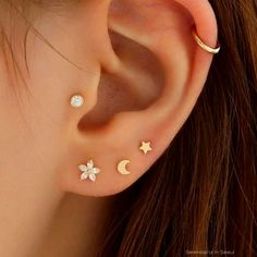Tragus Piercings, Piercing Lobe, Piercings For Men, Pretty Ear Piercings, Ear Peircings, Multiple Ear Piercings, Cartilage Earrings, Face Piercings, Stud Earring