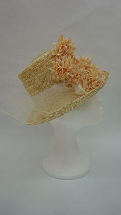 Canotier de copa alta, ideal para la novia original