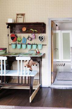 Koti kuin karkki – näin lapsiperhe sisusti vanhan kyläkaupan!   Kotivinkki