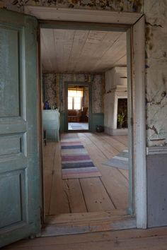 Best Home Decoration Magazine Brick Ranch Houses, Summer House Interiors, Primitive Kitchen Decor, Farmhouse Flooring, This Old House, Girl Bedroom Designs, Scandinavian Home, Old Houses, My Dream Home