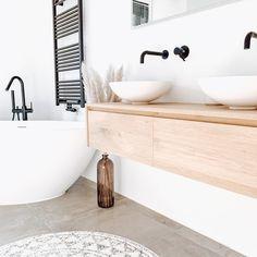 Home Bathroom Decor Grey Bathrooms, White Bathroom, Modern Bathroom, Small Bathroom, Bathroom Interior Design, Modern Interior Design, Interior Decorating, Bad Inspiration, Bathroom Inspiration