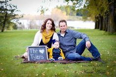 Family fall photo idea <3