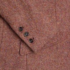 Details on the Windsor & Wales NIGHTINGALE tweed jacket.