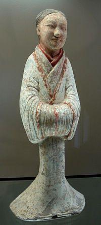 Suivante (shinü yong), terre cuite, époque des Han de l'Ouest, Chine, Musée Cernuschi, Paris.
