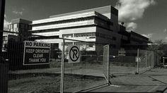 #blackandwhite #blackandwhitephoto #toronto #torontophoto #torontolife #landscape #architecturephotography #streetphotography #architecturelovers #torontolifestylephotographer #torontolifestyle #business #marketing #capitalism #advertising #propaganda #yorkuniversity #prison #racism #discrimination #apartheid #constructionsigns #constructionsite #fences #fencing #noparkingzone #noparking