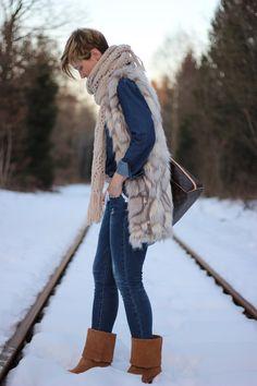 Jeans allover - für mich immer ein bisschen schwierig... aber nicht unmöglich!!!  http://www.ahemadundahos.de/jeans-allover-and-fake-fur/
