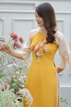 Ao Dai Modern, Ao Dai Cach Tan, Vietnamese Dress, Beaded Gown, Cold Shoulder Dress, Girls Dresses, Velvet, Brand New, Culture
