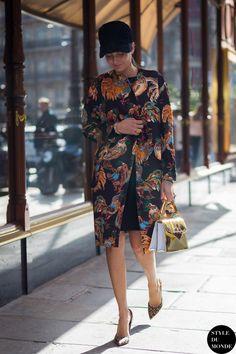 #New on #STYLEDUMONDE http://www.styledumonde.com with @bat_gio #GiovannaBattaglia at #paris #fashionweek #pfw #rochas #outfit #ootd #streetstyle #streetfashion #streetchic #streetsnaps #fashion #mode #style