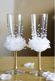 http://www.fabartdiy.com/diy-flower-bead-decorated-wine-glasses/