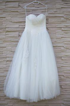 Bea és Balázs képei - Esküvői fotós, Esküvői fotózás, fotobese One Shoulder Wedding Dress, Wedding Dresses, Fashion, Bride Dresses, Moda, Bridal Wedding Dresses, Fashion Styles, Weding Dresses, Dress Wedding