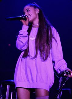 Ariana Grande 2018, Ariana Grande Outfits, Ariana Grande Pictures, Mac Miller And Ariana Grande, Ariana Grande Wallpapers, Ariana Grande Sweetener, Purple Outfits, Dangerous Woman, Purple Aesthetic