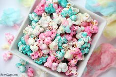 Ingredients 16 ounce package marshmallow or vanilla candy melts 12 cups popped popcorn, divided cup sprinkles 2 cups cotton candy, torn into small pieces 3 ounces blue candy melts Candy Coated Popcorn Recipe, Candy Popcorn, Flavored Popcorn, Popcorn Recipes, Candy Apples, Popcorn Bar, Shimmer Y Shine, Pyjamas Party, Gateau Baby Shower