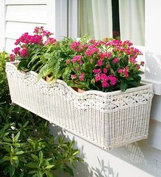 "33"" Resin Wicker Window Box Planter with Iron Frames in Brown , http://www.amazon.com/dp/B005F02AZS/ref=cm_sw_r_pi_dp_IK.Lrb011G9WA"