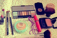 Sentido Contrário | Laly Oliveira: TAG - Os itens de maquiagem que mais uso