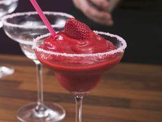 Erdbeer-Daiquiri ist ein Rezept mit frischen Zutaten aus der Kategorie Getränke. Probieren Sie dieses und weitere Rezepte von EAT SMARTER!