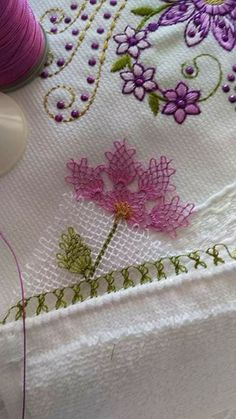 This Pin was discovered by Sev Crochet Wall Hangings, Brazilian Embroidery, Needle Lace, Hand Embroidery Designs, Lace Making, Bargello, Fabric Art, Tatting, Needlework