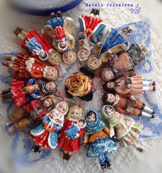 New Years Decorations, Christmas Tree Decorations, Christmas Wreaths, Christmas Ornaments, Holiday Decor, Cotton Crafts, Doll Painting, Tiny Dolls, Magical Christmas