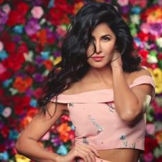 "Best Celebrity looks from Ayushi Nanda's board ""Katrina Kaif - Inspired Outfits That Will Make You The Toast Of The Town"" Katrina Kaif Hot Pics, Katrina Kaif Photo, Katrina Kaif Bikini, Indian Celebrities, Bollywood Celebrities, Bollywood Stars, Bollywood Fashion, Indian Bollywood, Bollywood Actress Without Makeup"