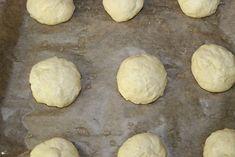 Mini bułeczki – prosty przepis   Słodkie okruszki Mashed Potatoes, Hamburger, Bread, Cookies, Ethnic Recipes, Desserts, Cos, Whipped Potatoes, Crack Crackers