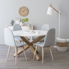 Modern Kitchen Tables, Kitchen Dining Living, Dining Decor, Modern Kitchen Design, Dining Room Design, Dining Room Table, Home Living Room, Minimalist Dining Room, Upholstered Dining Chairs