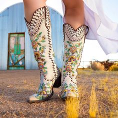Old Gringo Boots Mode Country, Estilo Country, Western Wear, Western Boots, Look Fashion, Fashion Boots, Estilo Cowgirl, Old Gringo Boots, Over Boots