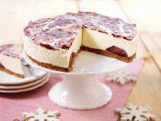 Kwarktaart voor de winter met in gluhwein en suiker gestoofde stoofperen.