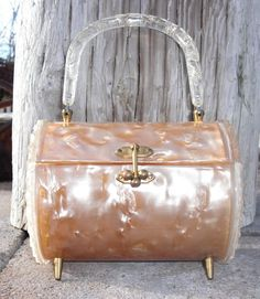 See related links to what you are looking for. Vintage Purses, Vintage Bags, Vintage Handbags, Vintage Accessories, Handbag Accessories, Unique Purses, Purse Styles, Beautiful Bags, Purses And Handbags
