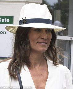 Sporty Pippa gave her outfit a jaunty twist with the addition of a cream fedora with a navy ban and star embellishment Pippa Middleton Style, Kate Middleton Wedding, Middleton Family, Pippa And James, Tennis Whites, James Matthews, Nude Wedges, Wimbledon, Gorgeous Women